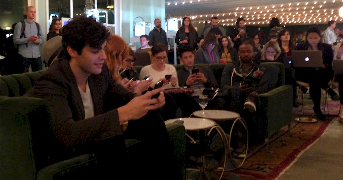 Shadowhunters - Live-Tweeting the Shadowhunters Premiere With the Cast!  - 996