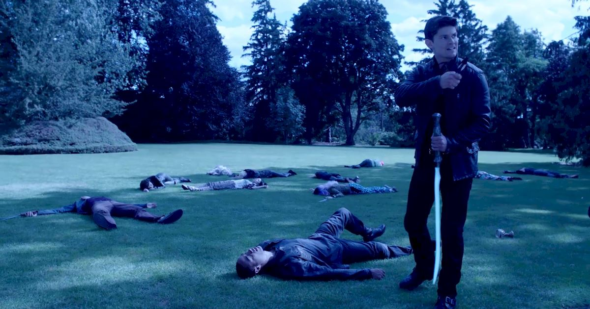 Shadowhunters - 12 Shadowhunters Moments That Got Out Of Hand Real Fast! - 1010