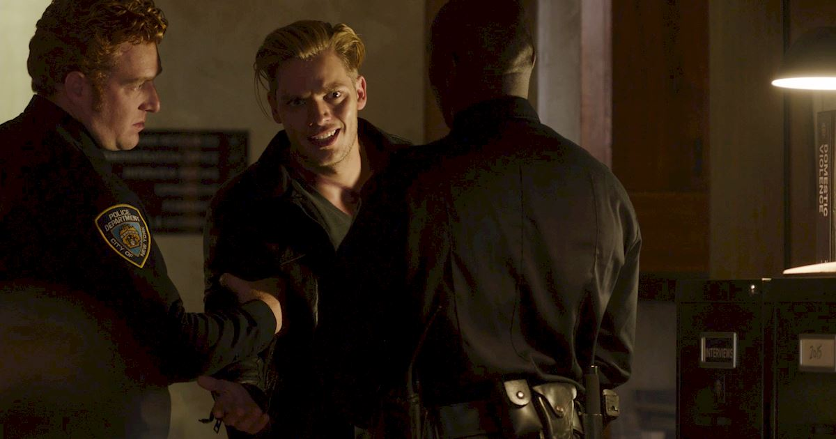 Shadowhunters - 12 Shadowhunters Moments That Got Out Of Hand Real Fast! - 1012