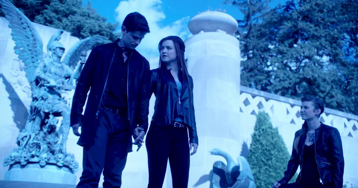 Shadowhunters - 12 Shadowhunters Moments That Got Out Of Hand Real Fast! - 1009