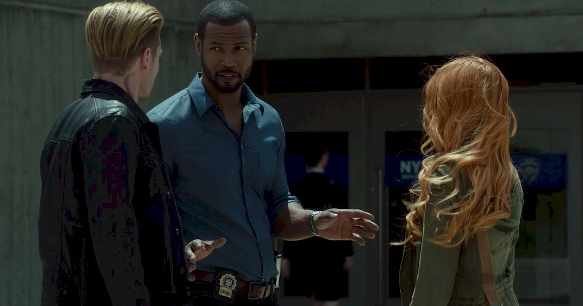 Shadowhunters - 12 Shadowhunters Moments That Got Out Of Hand Real Fast! - 1011