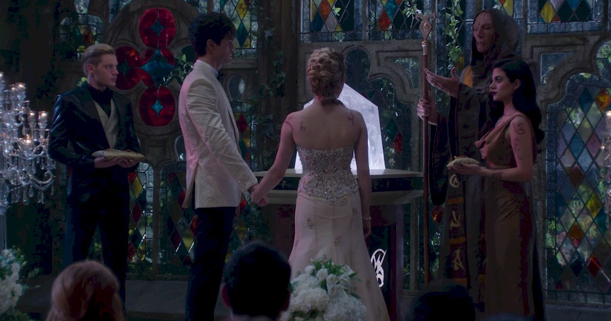 Shadowhunters - 12 Shadowhunters Moments That Got Out Of Hand Real Fast! - 1015
