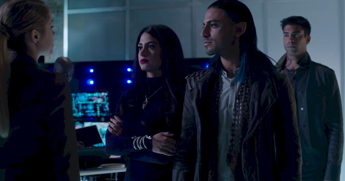 Shadowhunters - 23 Times That Isabelle Lightwood Was A Total Boss! - 1016