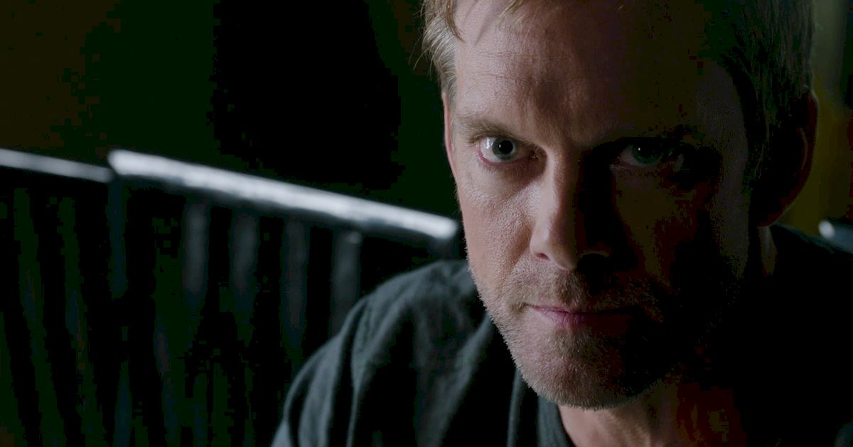 Shadowhunters - The Best Dirty Looks Of Season One: Part 2 - 1014