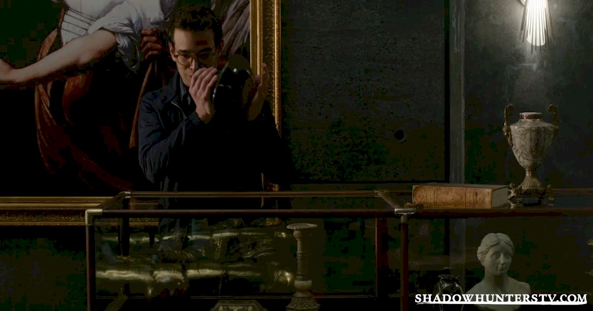 Shadowhunters - 18 Awesome Moments You Might Have Missed From Episode Three! - 1005