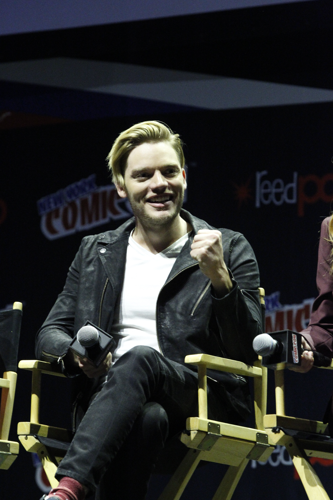 Shadowhunters - The Shadowhunters Stars Were At NYCC And We've Got The Photos To Prove It! - 1016