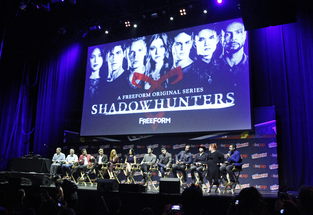 Shadowhunters - The Shadowhunters Stars Were At NYCC And We've Got The Photos To Prove It! - 1023