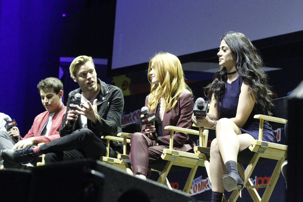 Shadowhunters - The Shadowhunters Stars Were At NYCC And We've Got The Photos To Prove It! - 1020