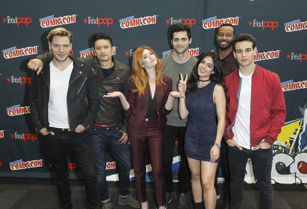 Shadowhunters - The Shadowhunters Stars Were At NYCC And We've Got The Photos To Prove It! - 1010
