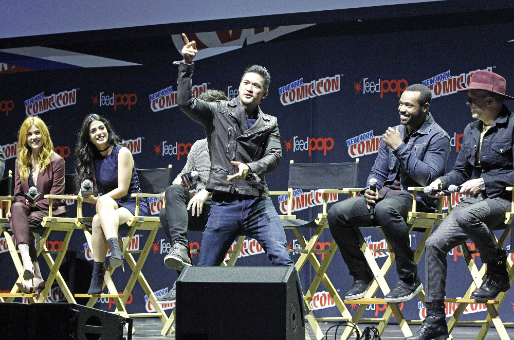 Shadowhunters - The Shadowhunters Stars Were At NYCC And We've Got The Photos To Prove It! - 1017