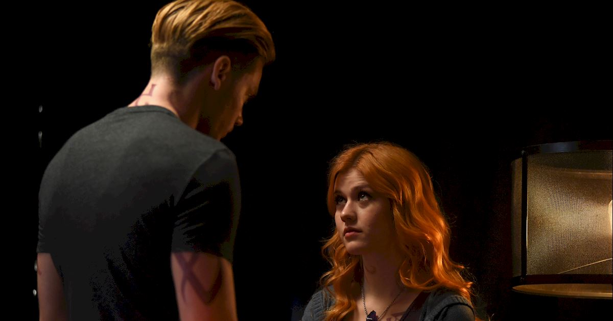 Shadowhunters - [PHOTOS] Amazing Photos from Episode Four's Downworlder Rave! - 1002