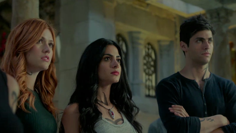 Shadowhunters - Are You Sure You're 100% Ready For The Premiere Of Season 2? Find Out Now! - Thumb