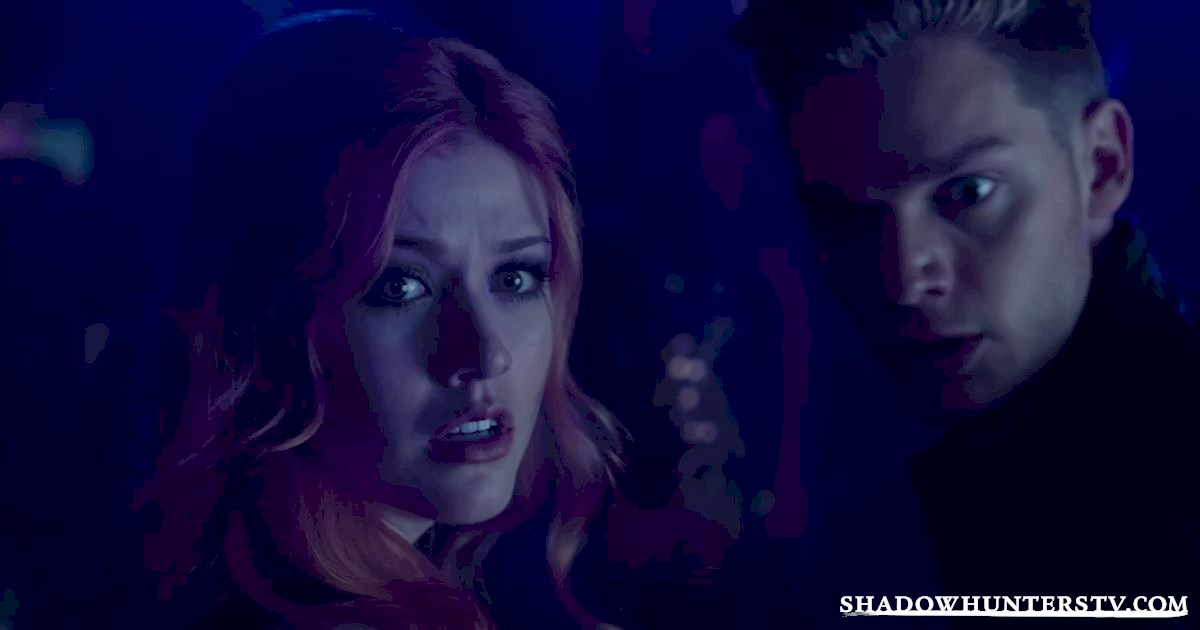 Shadowhunters - 16 Things You Have All Definitely Done At Work! - 1017
