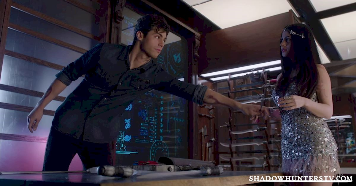 Shadowhunters - 16 Things You Have All Definitely Done At Work! - 1016