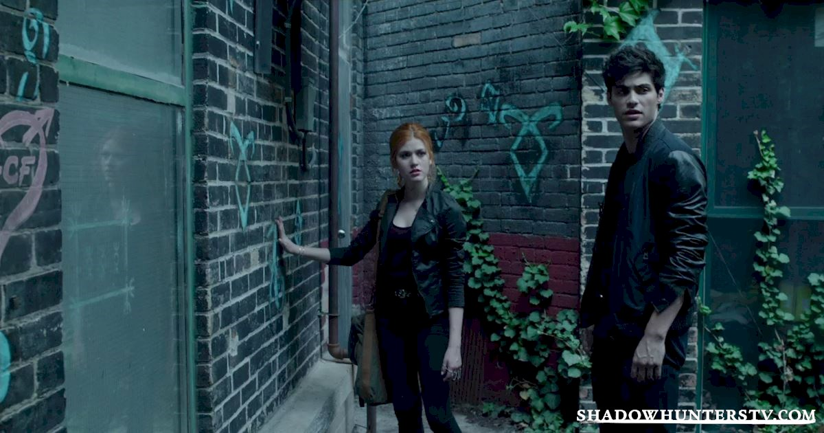 Shadowhunters - 18 Things You Might Have Missed From Episode Five! - 1009