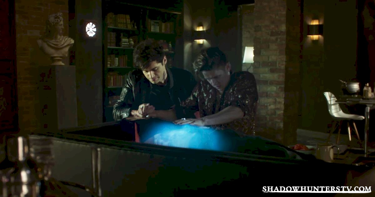 """Shadowhunters - Episode 106: """"Of Men and Angels"""" Official Recap - 1022"""
