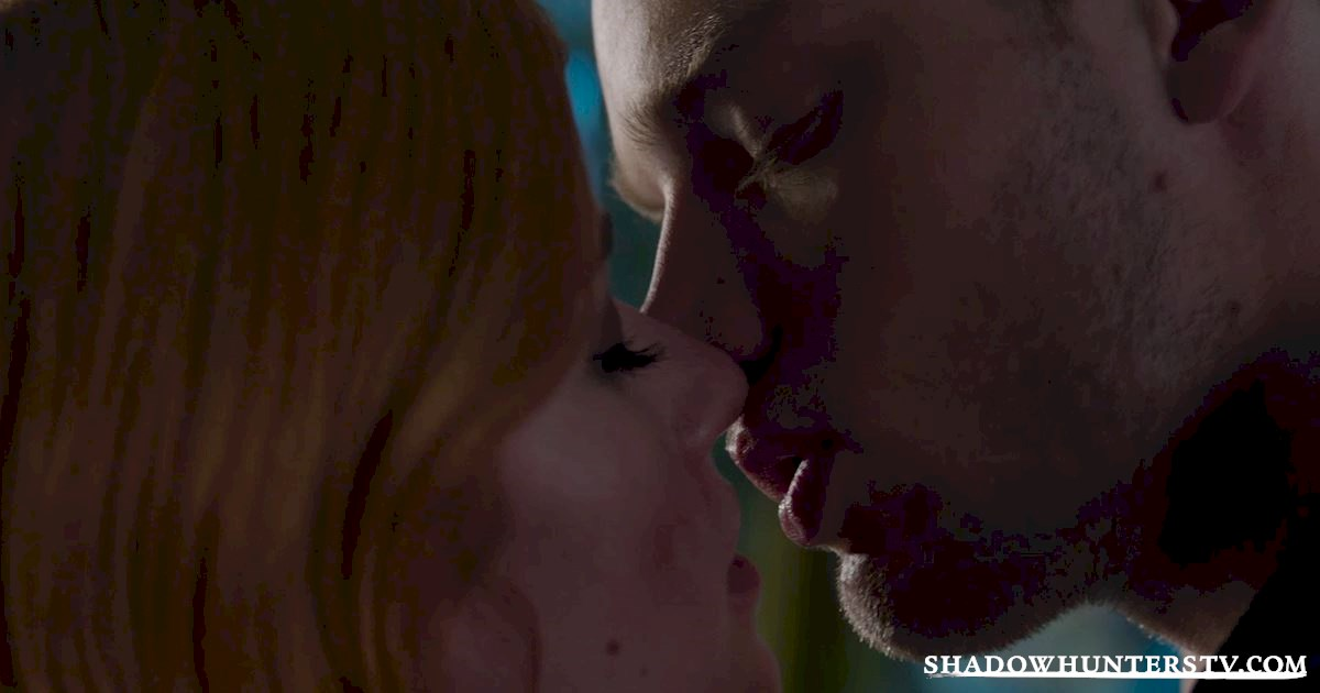 Shadowhunters - 31 Awesome Things We Learned From Episode Seven  - 1028