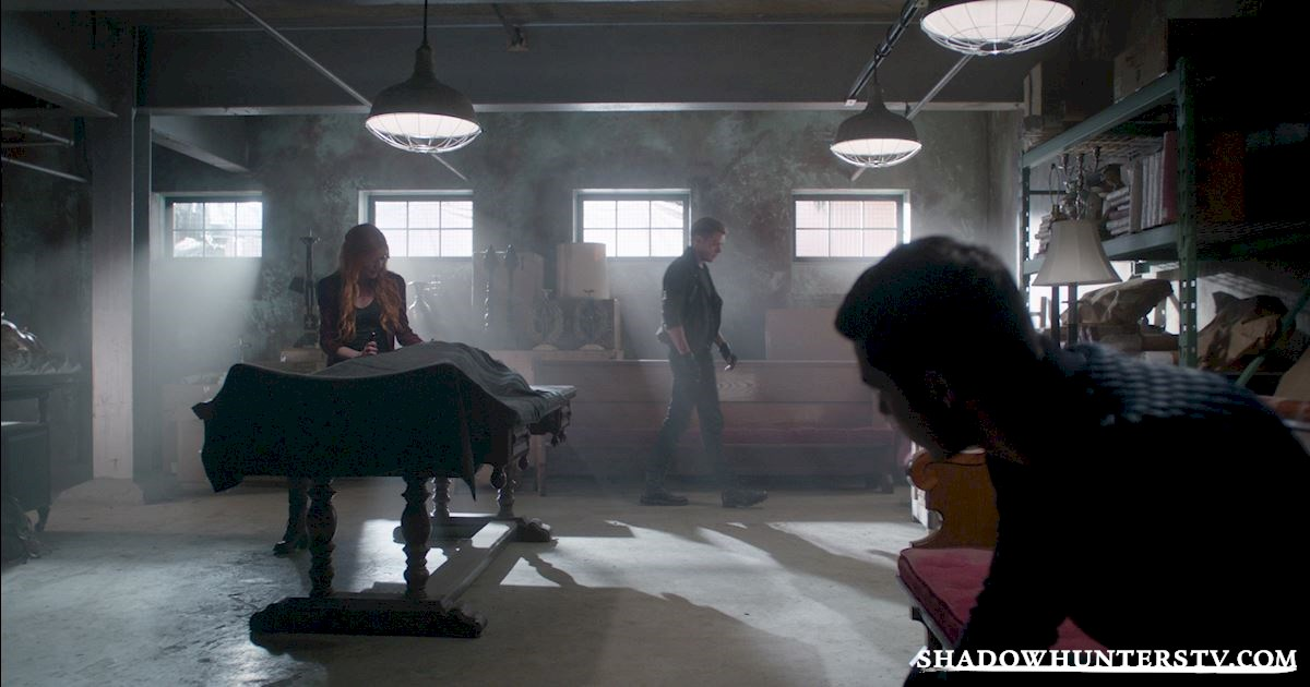 "Shadowhunters - Episode 108: ""Bad Blood"" Official Recap! - 1005"