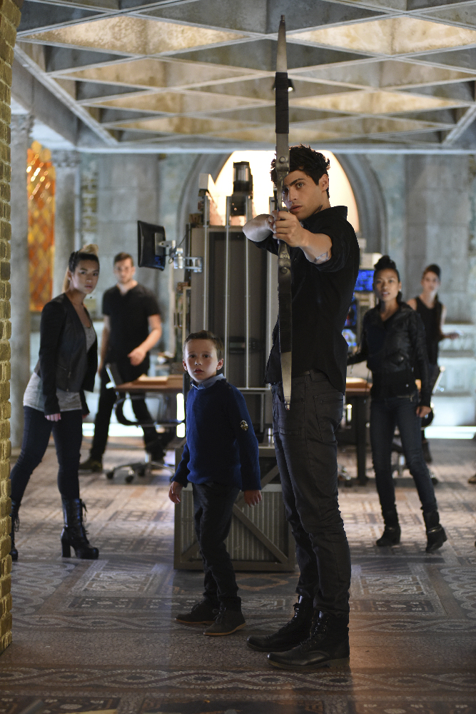 Shadowhunters - [PHOTOS] Incredible Photos From Episode Eight Of Shadowhunters! - 1008