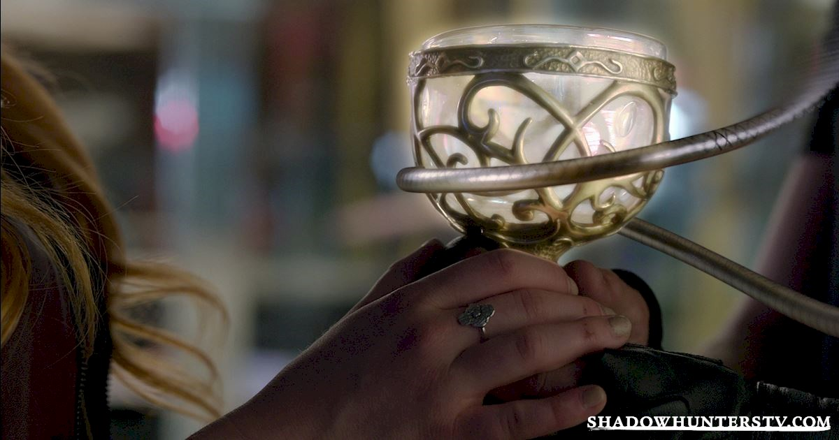 Shadowhunters - 15 Things You Might Have Missed From Episode Eight! - 1001