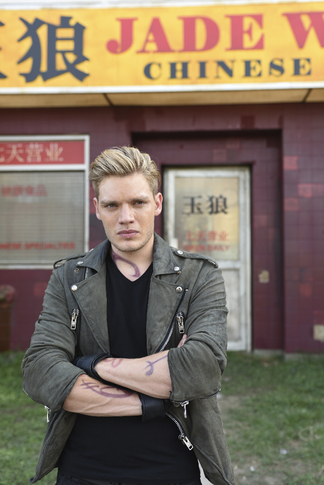 Shadowhunters - [PHOTOS] Incredible Photos From Episode Eight Of Shadowhunters! - 1022