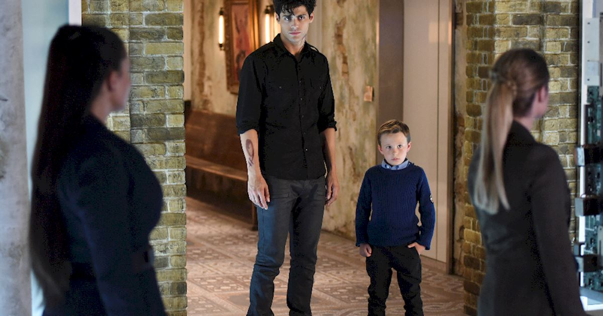 Shadowhunters - [PHOTOS] Incredible Photos From Episode Eight Of Shadowhunters! - 1014
