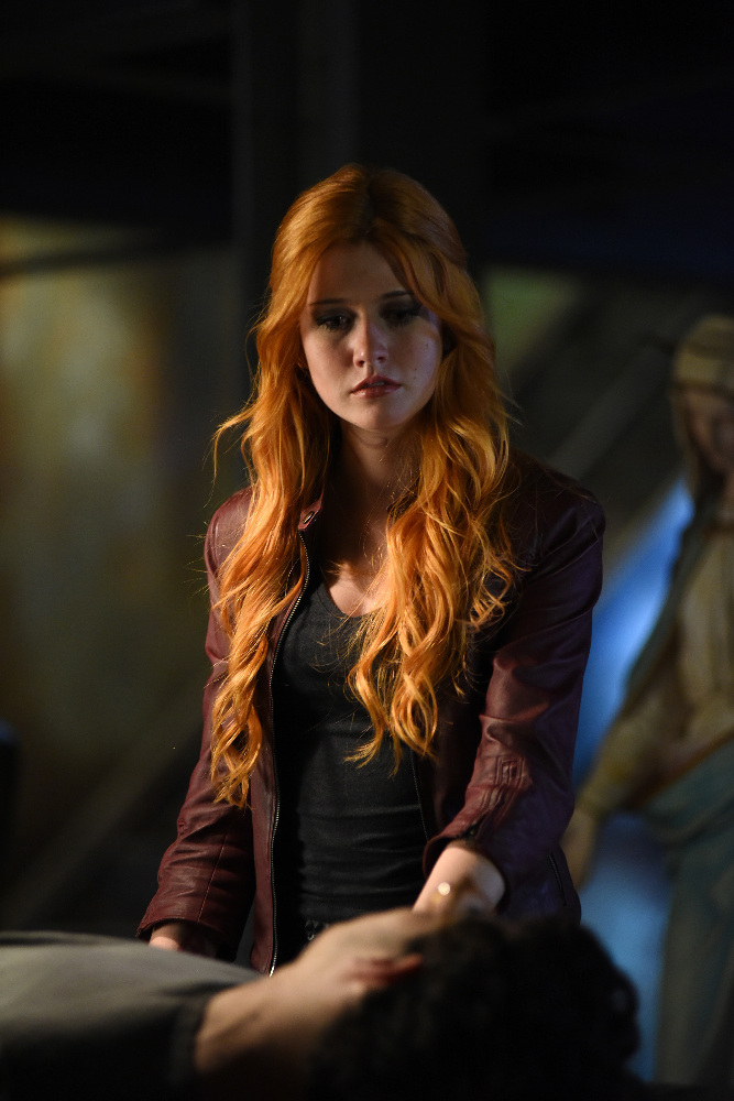 Shadowhunters - [PHOTOS] Incredible Photos From Episode Eight Of Shadowhunters! - 1004