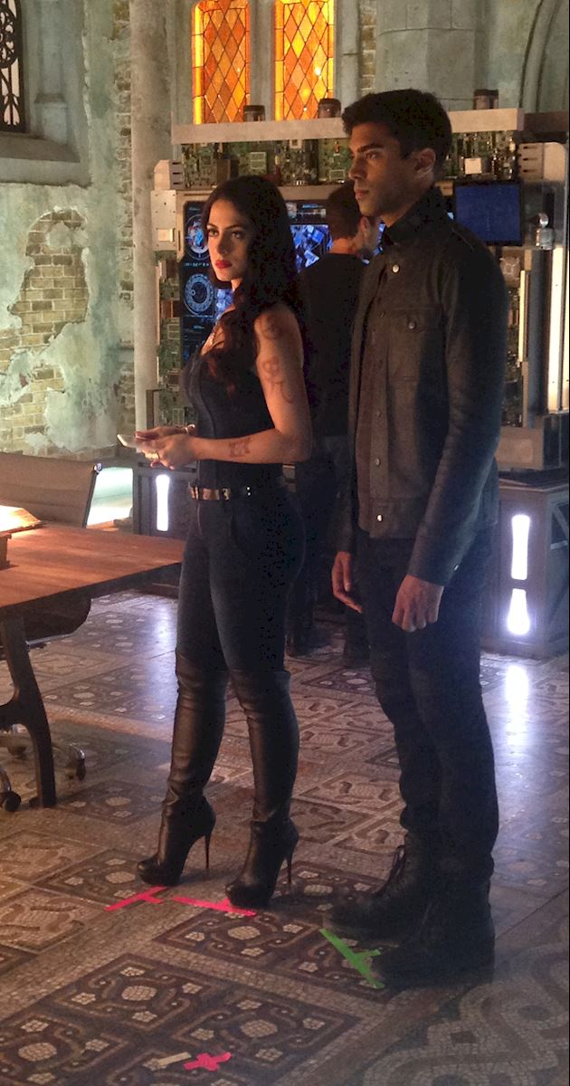 Shadowhunters - Behind The Scenes Photos From This World Inverted! - 1006