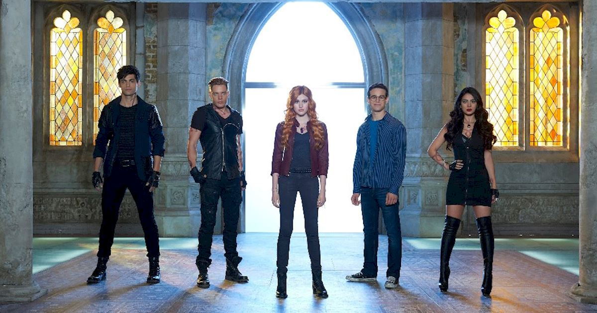 Shadowhunters - [QUIZ] How Closely Did You Watch Episode One? - 1002