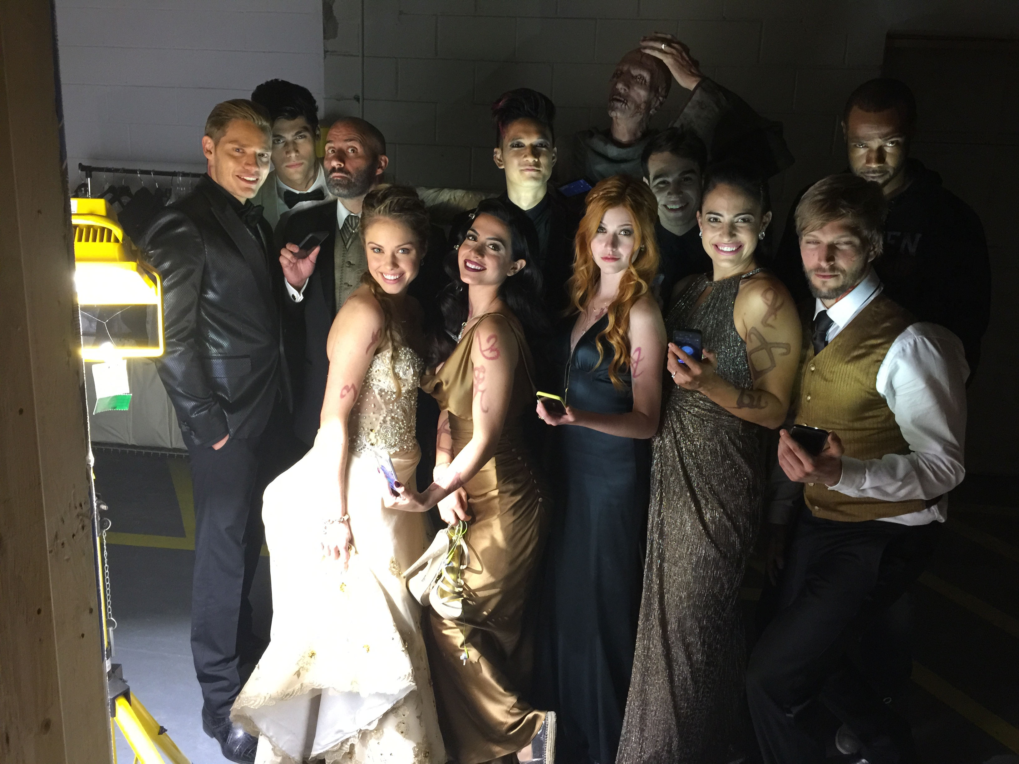 Shadowhunters - Amazing Behind The Scenes Pics From Episode 12's Wedding! - 1011