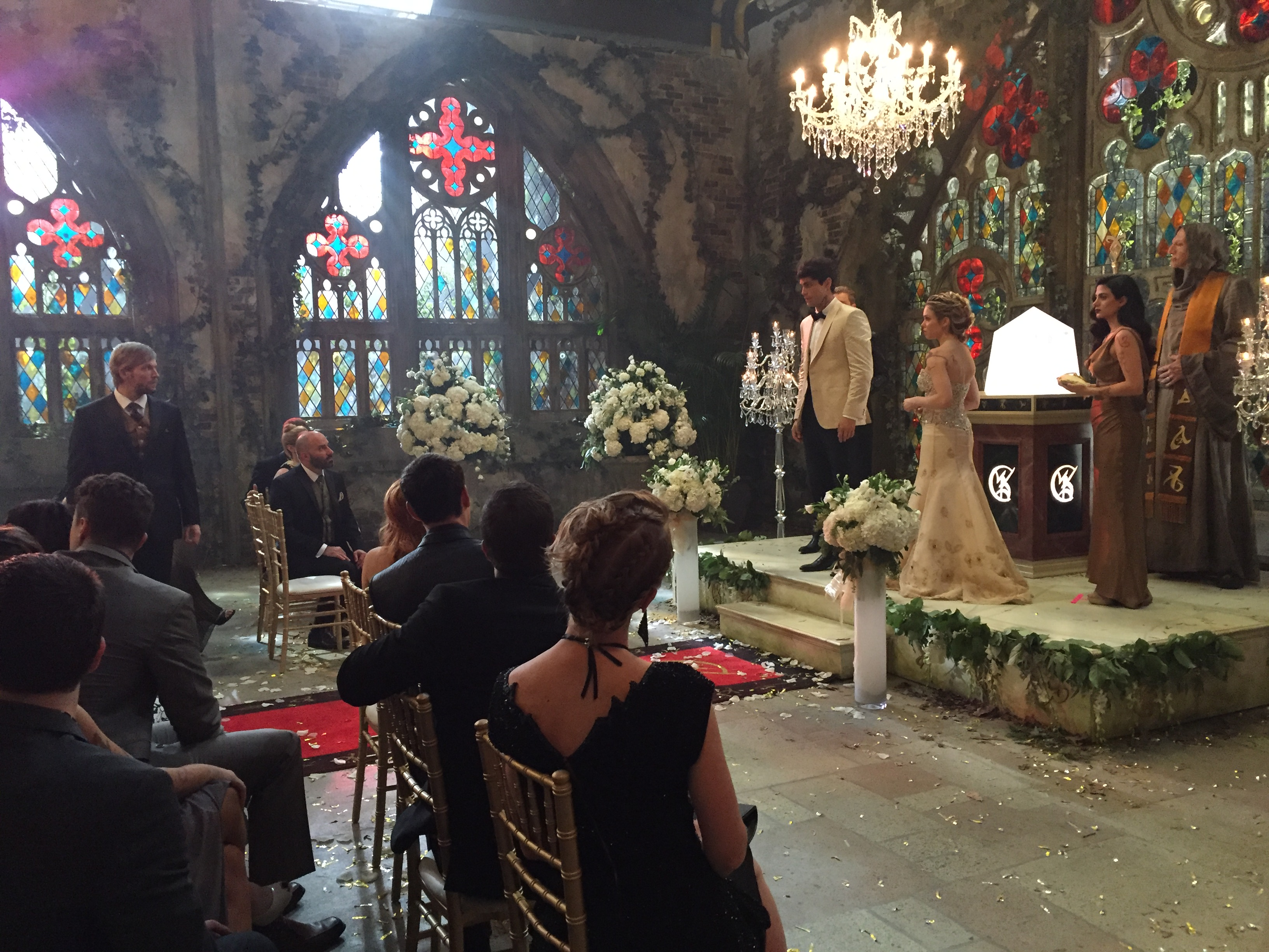 Shadowhunters - Amazing Behind The Scenes Pics From Episode 12's Wedding! - 1001