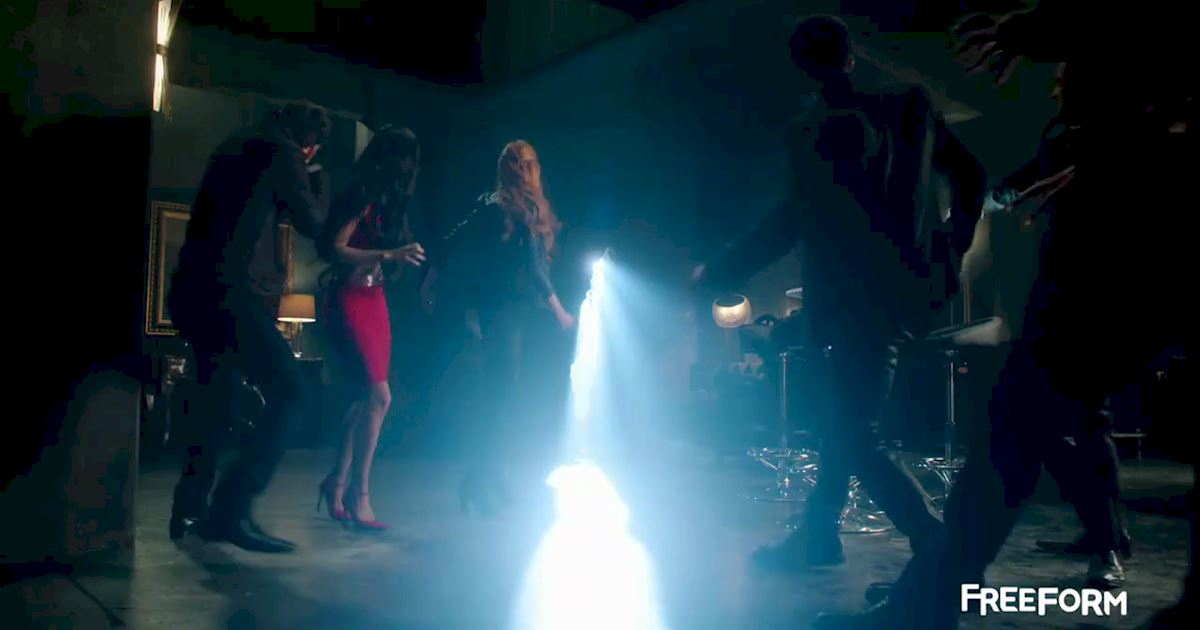 Shadowhunters - FINALE: Sneak Peak Of Episode 13! Valentine Is Back! - 1003