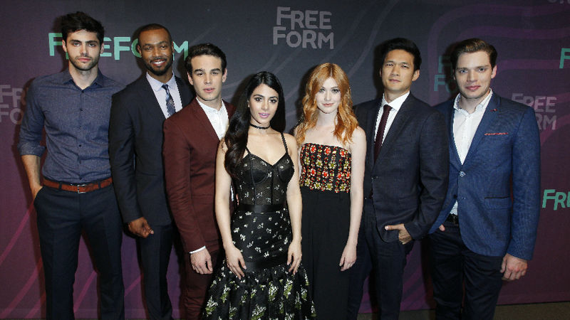 Shadowhunters - Live Now: Watch The Thrilling Shadowhunters Season 2 Premiere! - Thumb
