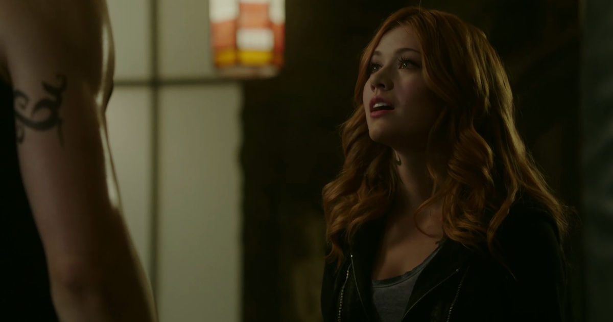 Shadowhunters - Alec And Clary Fight Over Who Loves Jace The Most In This Episode 2 Sneak Peek! - 1005