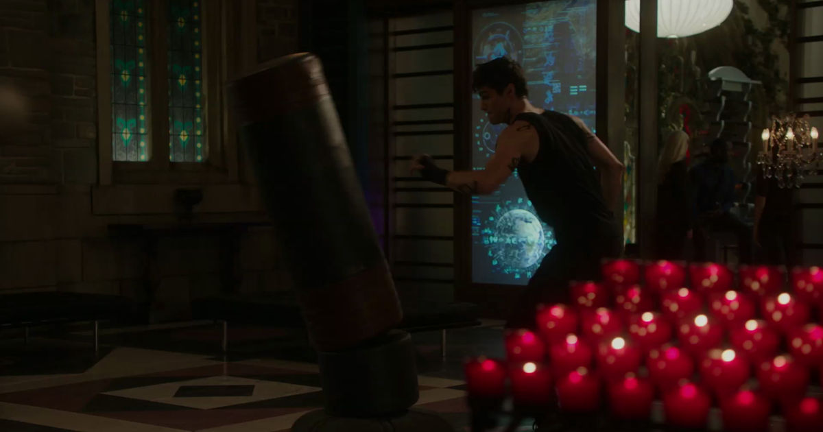 Shadowhunters - Alec And Clary Fight Over Who Loves Jace The Most In This Episode 2 Sneak Peek! - 1002